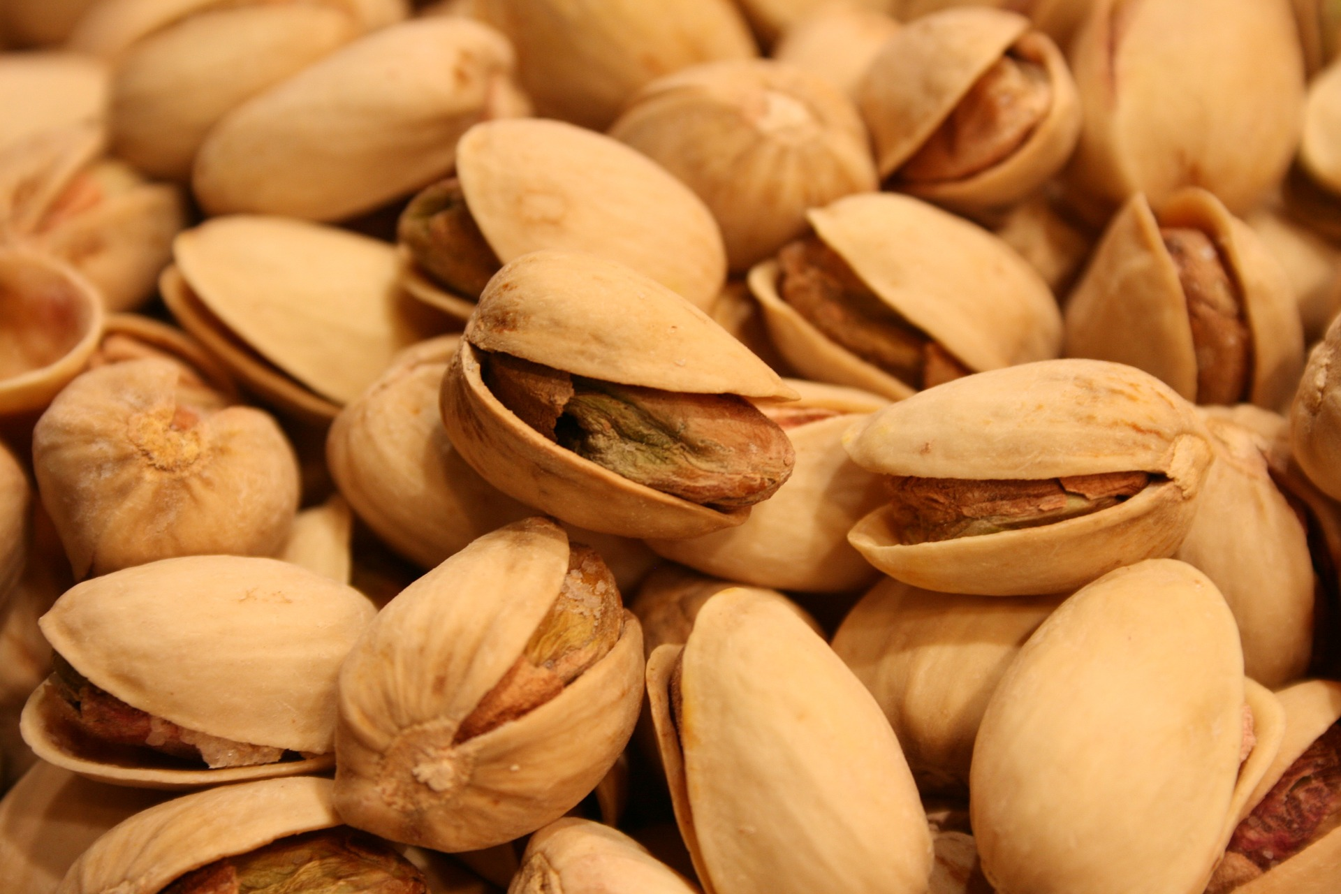 Raw Hulled Pistachios